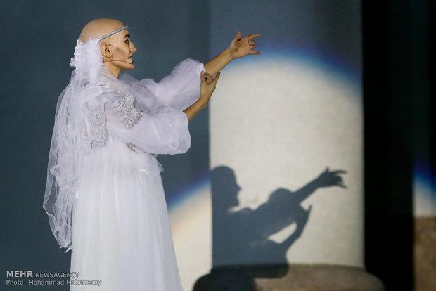 Si multimedia concert at Sa'dabad Palace