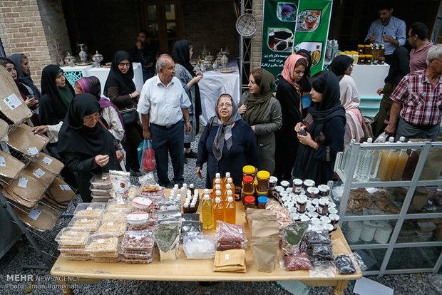Persian cuisine festival held in Hamedan