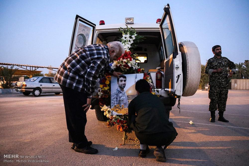 استقبال از پیکر شهید مدافع حرم «محمد تاجبخش» در فرودگاه اهواز