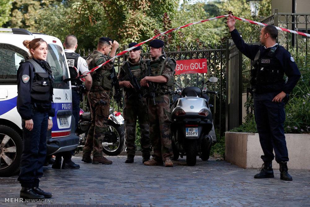 زیرگرفتن سربازان فرانسوی در پاریس