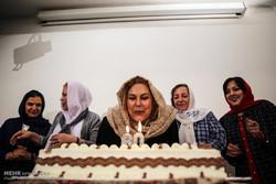 مهینترابی شمع ۶۰ سالگی را فوت کرد/ جشن تولدها به خانمها رسید