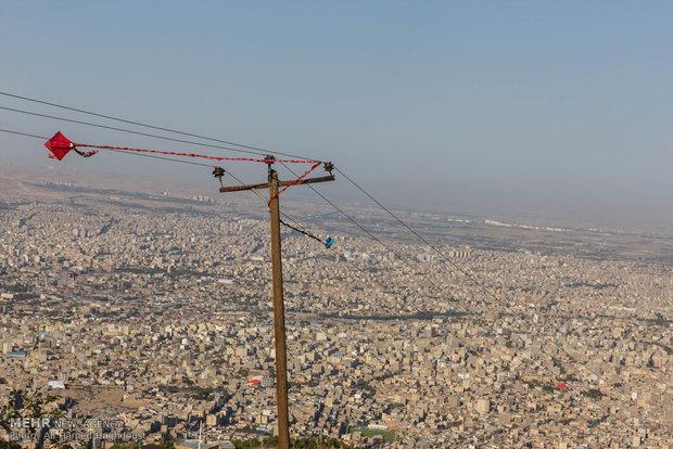 Family climbing gathering in Tabriz