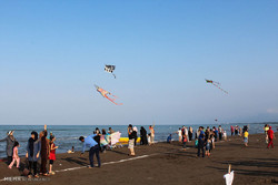 People celebrated the Caspian Sea Day by holding a kite-flying festival last year on the Roudsar beach, Gilan province.