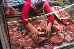 گرانی گوشت و مرغ در بازار تبریز/ وقتی خبری از نظارت نیست!