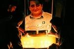 روشن کردن شمع به احترام محیطبان بابلی