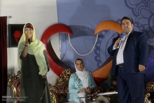 حضور لیلا بلوکات و فریبا کوثری در بازارچه خیریه شکوه مهرورزی آسایشگاه معلولان شهید بهشتی مشهد