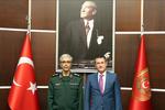 انقرہ میں ترکی کے وزیر دفاع سے جنرل باقری کی ملاقات