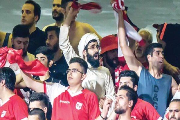 İran'da futbol sevgisi nedeniyle ünlü olan din alimi