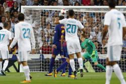 ريال مدريد يهزم برشلونة ويتوج بلقب السوبر الاسباني