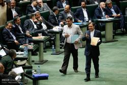 نمایندهای که «سهم سادات» را در مجلس داد/ ترافیک برای حمایت از وزیر عصبانی