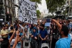 تجمع گروهی از مسلمانان در مرکز بارسلون در اعتراض به حمله تروریستی