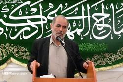 موکبداران استان بوشهر ۳۱۳ تبلت به دانشآموزان دادند