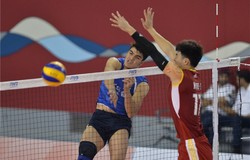 Sharifi, Yali combine for 28 to boost Iran to 3-0 victory against China