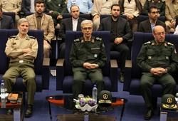 مراسم تودیع و معارفه وزیر دفاع و پشتیبانی نیروهای مسلح برگزار شد