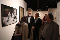 بازدید سفیر اندوزی از موزه هنرهای معاصر