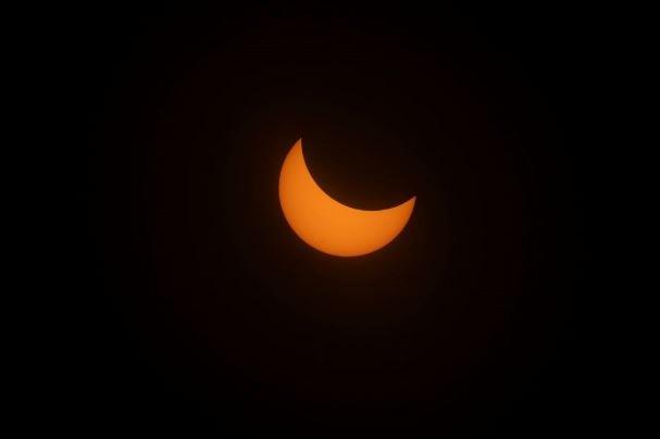 تصاویر نخستین خورشید گرفتگی آمریکا پس از ۹۹ سال