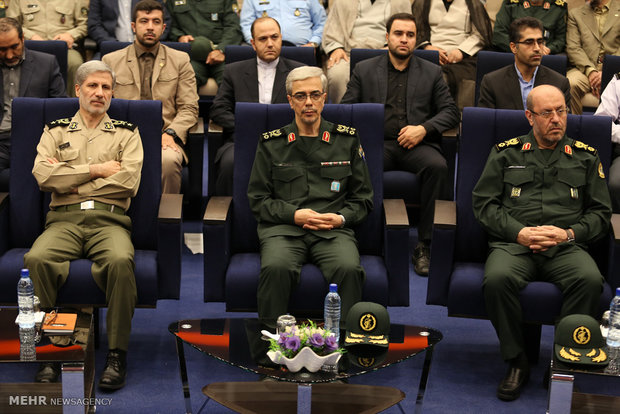 مراسم تودیع و معارفه وزیر دفاع و پشتیبانی نیرو های مسلح