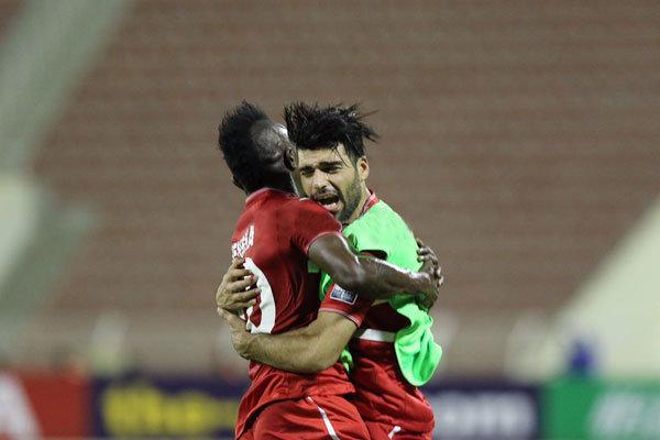 """İranlı ve Türk yıldız futboculardan Katar'da """"büyük fırtına"""""""