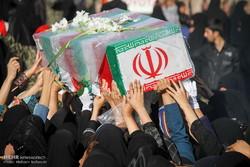 پیکر مطهر هفت شهید وارد فرودگاه اصفهان شد
