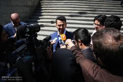 اذري جهرمي: لن يحجب الانستغرام على غرار التلغرام