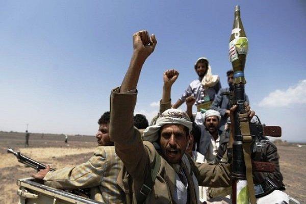 مشاهد من تدمير عجلة تابعة لمرتزقة التحالف السعودي على يد القوات اليمنية / فيديو