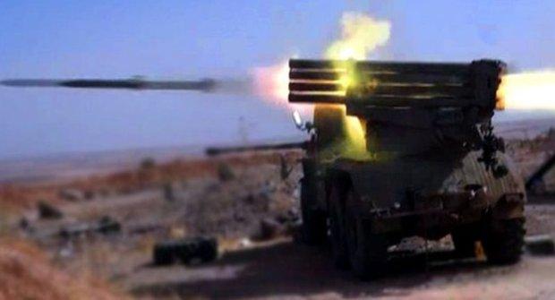 Syrian army destroys ISIL vehicles, tunnel in Deir Ezzor