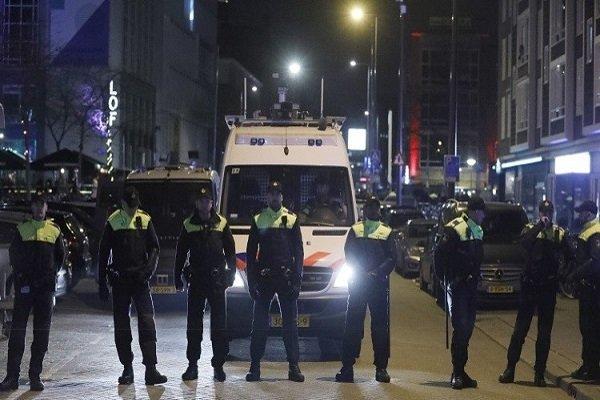۲ نفر در هلند به اتهام تلاش برای حمله انتحاری بازداشت شدند
