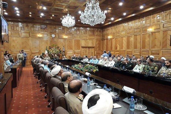 بدء مراسم تقديم اللواء موسوي قائدا عاما للجيش الإيراني