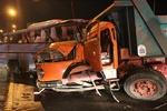 تصادف کامیون و زانتیا در محور کهریزک ۳ نفر را راهی بیمارستان کرد