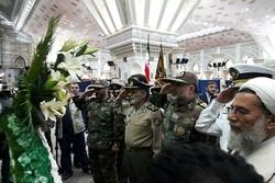 قادة الجيش الإيراني يجددون عهدهم وميثاقهم مع الإمام الخميني(قدس)