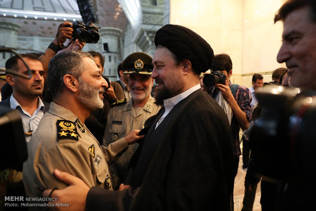 Army chief renews allegiance with Imam Khomeini