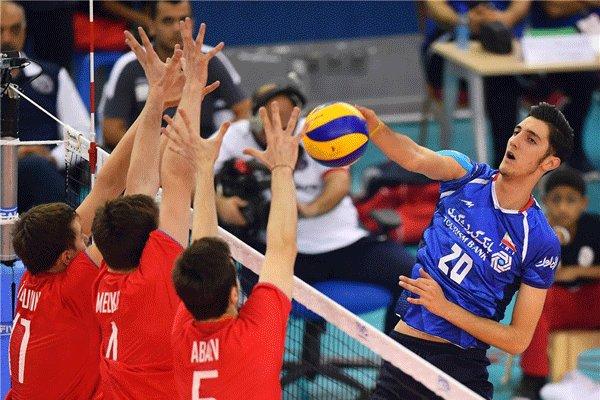 دیدار تیم های والیبال نوجوانان ایران و روسیه