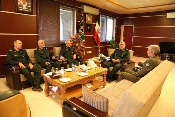 وزير الدفاع: ايران لن تدخر جهدا في سبيل تعزيز صناعاتها الدفاعية