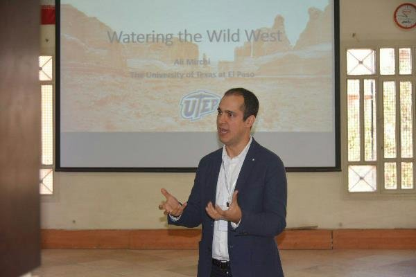 «کاوه مدنی» پیشنهاد مسئولیت وزارت نیرو را تکذیب کرد