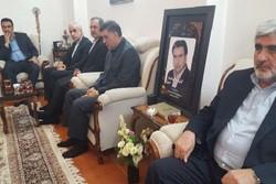 وزیر آموزشوپرورش با خانواده شهید جلالی راد  دیدار کرد