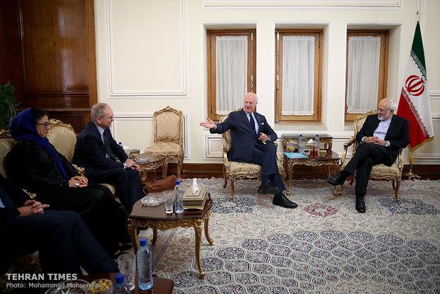 Iran's Zarif meets UN Syria special envoy