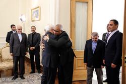 دیدار ظریف با سفرای کوبا و لهستان