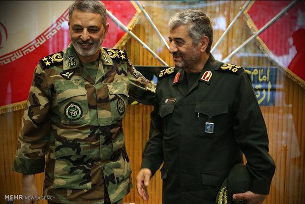 دیلقاء القائد العام للجيش الإيراني بالقائد العام لقوات حرس الثوری الايراني