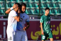 دیدار تیمهای فوتبال ذوبآهن اصفهان و پیکان تهران