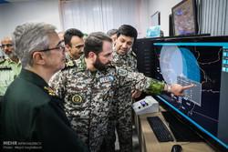 بازدید سرلشگر باقری رییس ستاد کل نیروهای مسلح از نمایشگاه دست آوردهای بومی قرارگاه پدافند هوایی