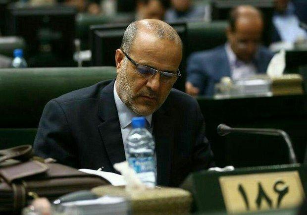 مشکلات فرهنگیان انباشته شده است/با تغییر وزیر مسالهای حل نمیشود