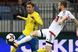 سوئد موقتا جای فرانسه را در صدر جدول گروه A گرفت
