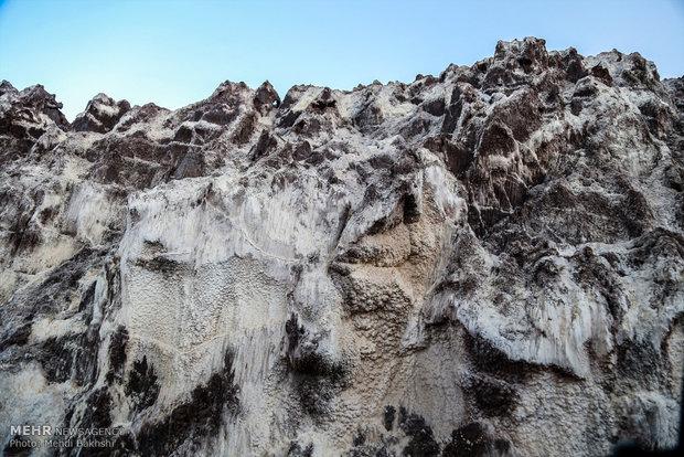 گردشگری بیضابطه درکوه نمک باعث نابودی این زیستگاه ارزشمند میشود