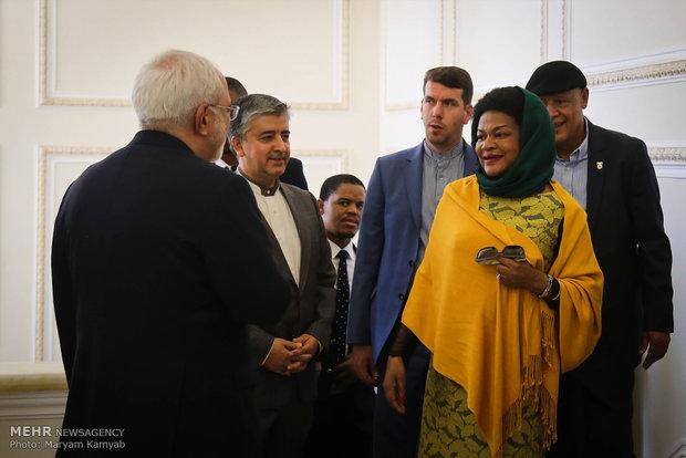 İran Dışişleri Bakanı'yla Güney Afrika Meclis Başkanı'nın görüşmesi
