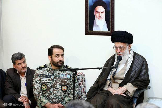 Leader receives Iran's Khatam Al-Anbia cmdrs, officials