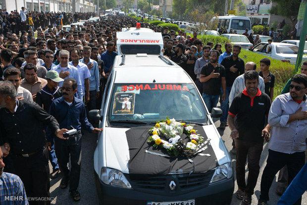 مراسم تشییع دو دانش آموز مینابی فوت شده در حادثه داراب