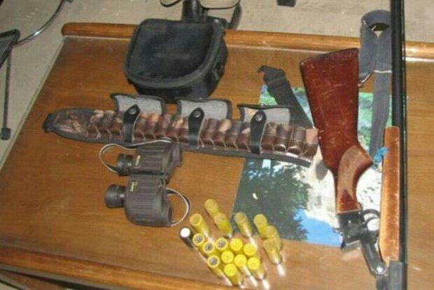 دستگیری ۳ شکارچی و کشف دو قبضه اسلحه غیرمجاز از آنها در خرمآباد