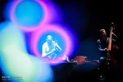کنسرت کیهان کلهر با همراهی گروه رامبراندت تریو