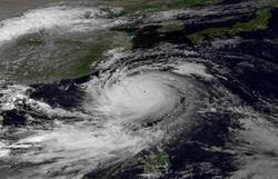 """ترامب يعلن الطوارئ في خمس مناطق أمريكية مع اقتراب إعصار """"مزلزل"""""""