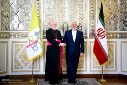 Zarif says Iran respects Pope's stances
